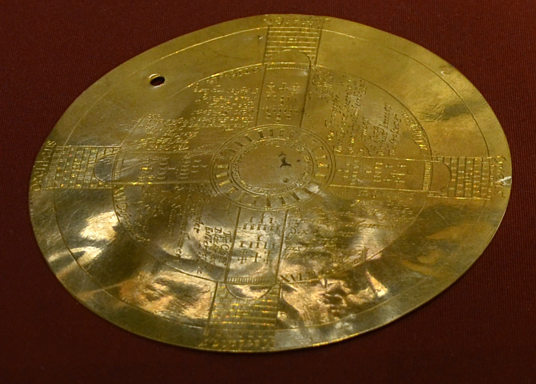 John_Dee's_golden_disc_British_Museum